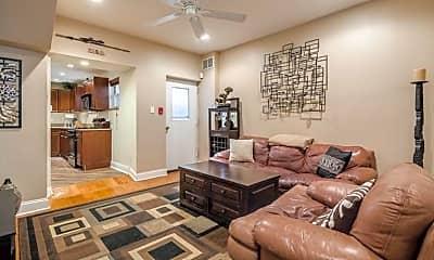 Living Room, 626 S 16th St 1, 1