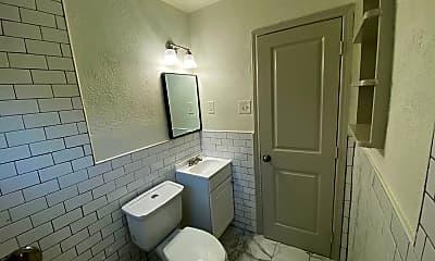 Bathroom, 4818 Junius St, 2