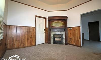 Living Room, 220 N Juliette Ave, 1