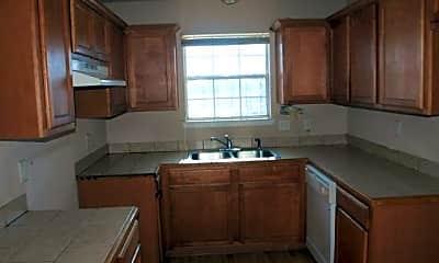 Kitchen, 1409 E Robert St, 1