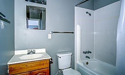 Bathroom, Fountain Oaks, 2
