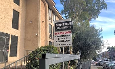 Bonnie Brae Apartments, 1