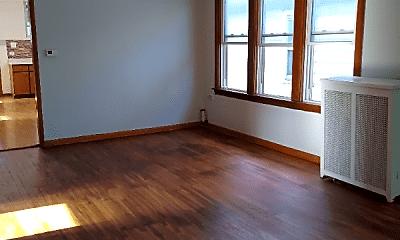 Living Room, 5660 W Gunnison St, 1