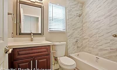 Bathroom, 1190 Newport Ave, 2