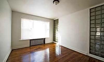 Living Room, 2838 E 91st St, 1