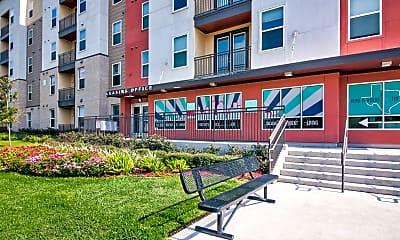 Building, Campus Vue Student Apartments, 0