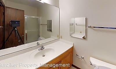 Bathroom, 3910 Ontario St, 2
