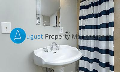 Bathroom, 723 S Westnedge Ave, 2