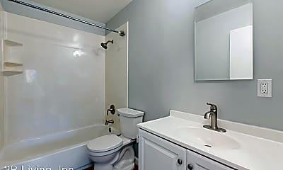Bathroom, 2252 Key Blvd, 2