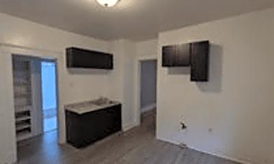 Bathroom, 2909 N 29th St, 2