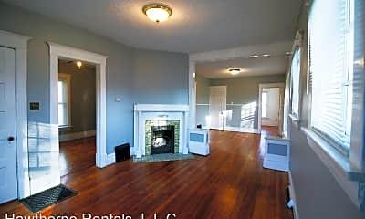 Living Room, 934 Lincoln St, 1