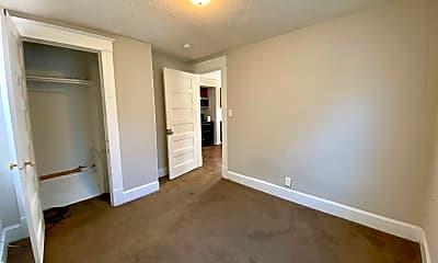 Bedroom, 928 S Center St, 2