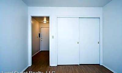 Bedroom, 2400 Northwestern Ave, 2