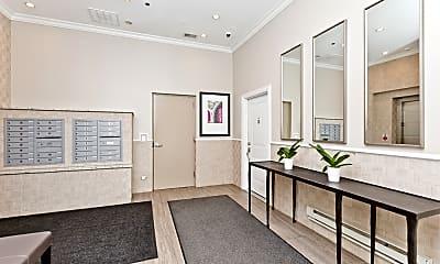 Living Room, 1002 W Van Buren St 401, 1