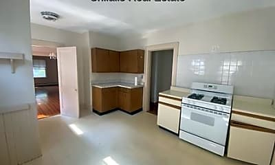 Living Room, 145 Winsor Ave, 2