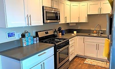 Kitchen, 644 Rytko St, 1