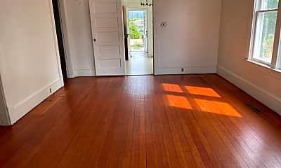 Living Room, 2410 Humboldt St, 1