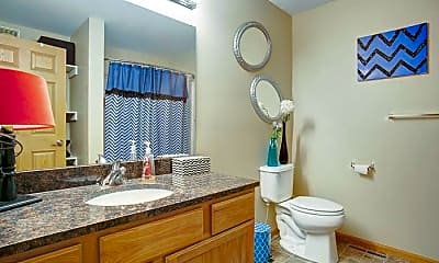Bathroom, 241 Butterworth St, 2