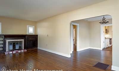Living Room, 565 E 5th Ave, 1