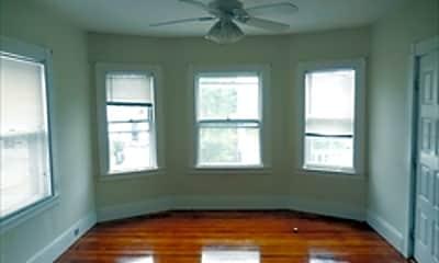 Living Room, 19 Auburn St, 2