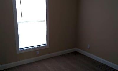 Living Room, 603 Bond St, 2