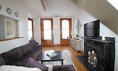 Living Room, 102 E North Ave, 0
