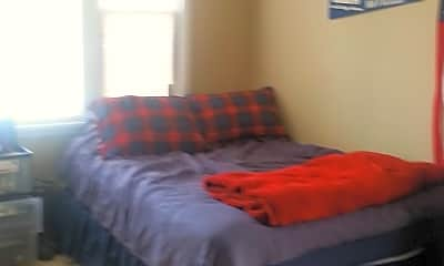 Bedroom, 810 S Prairie St, 2