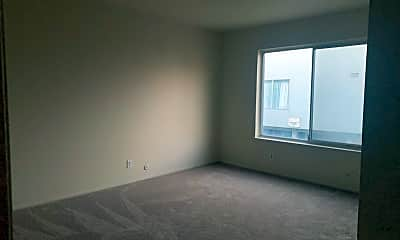 Living Room, 586 Clarinada Ave, 1