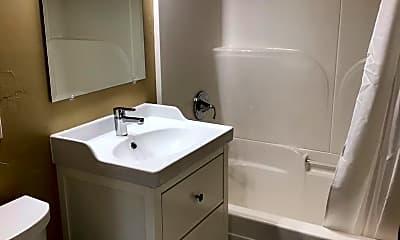 Bathroom, 110 NW Colorado Ave, 2