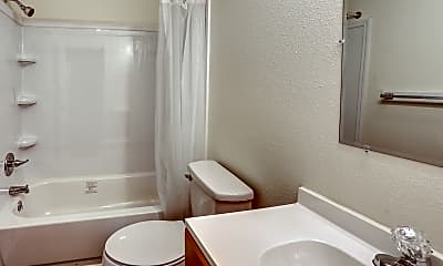 Bathroom, Skyline - McMinnville, 2