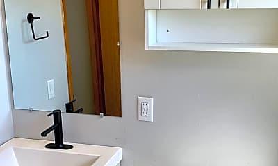 Bathroom, 801 Fairmont Ave, 2