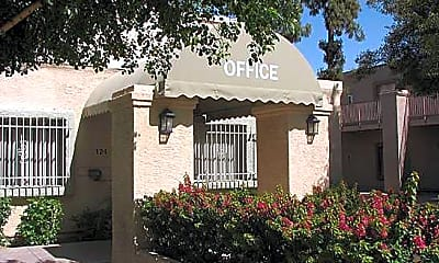 Casa De Flores, 1