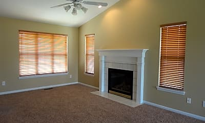 Living Room, 6874 Beagle Drive, 1