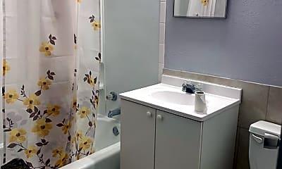 Bathroom, 4716 36th Ave, 2