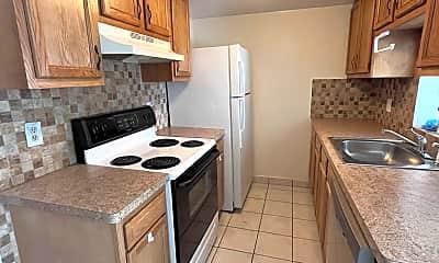Kitchen, 10 E Wyoming St, 1
