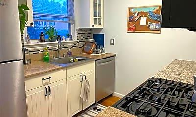 Kitchen, 3228 Shenandoah Dr, 1