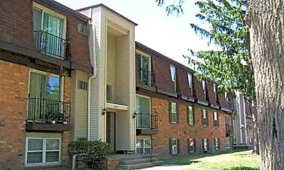 Building, Lourdes Commons, 0
