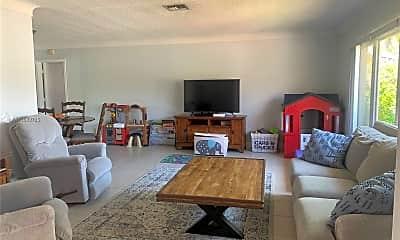 Living Room, 2001 NE 54th St, 0