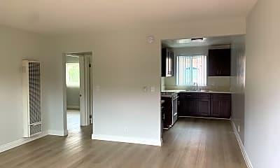 Living Room, 685 S Coronado St, 1