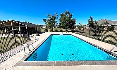 Pool, 400 N Willowood Dr, 1