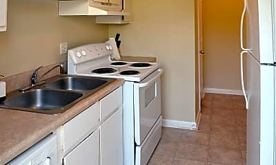 Kitchen, Foxwood Apartment Townhomes, 1
