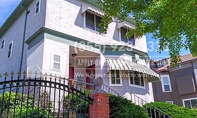 Building, 1720 Linden Street C, 0