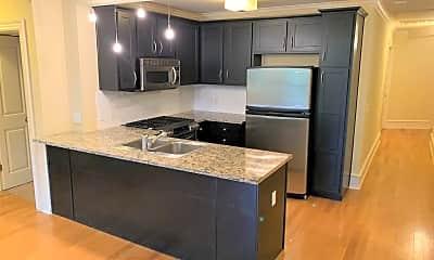 Kitchen, 600 W Meadow St, 2