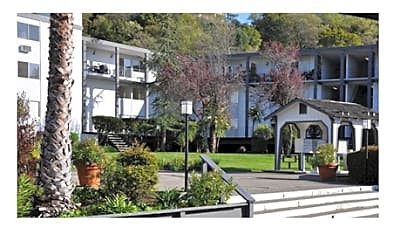 Terra Linda Manor, 1
