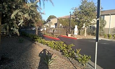 Triangle Terrace, 0
