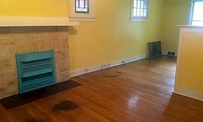 Living Room, 760 Shady Dr E, 1