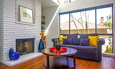 Living Room, 5456 Hermitage Ave, 0