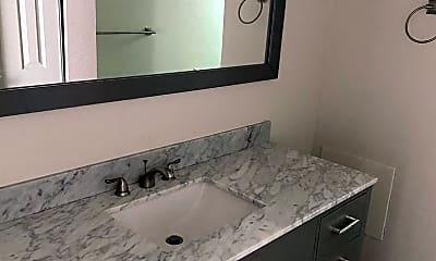 Bathroom, 500 Harding Ave, 2