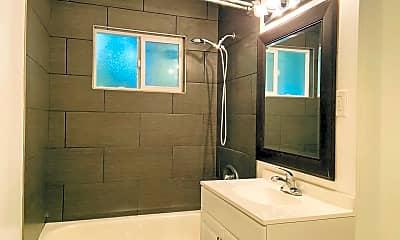 Bathroom, 1321 W 36th Place, 1
