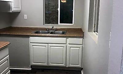 Kitchen, 211 N Mayflower St, 1